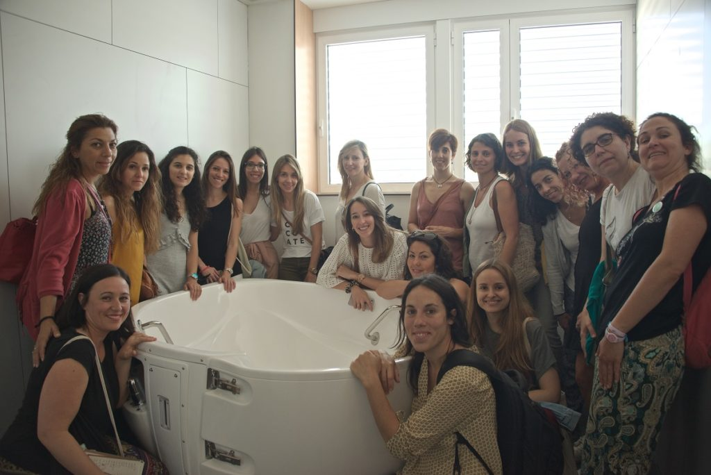 Waterbirth Certification Course, Barcelona, Spain May 2017. Lunch time tour of new waterbirth tub and birth suite.